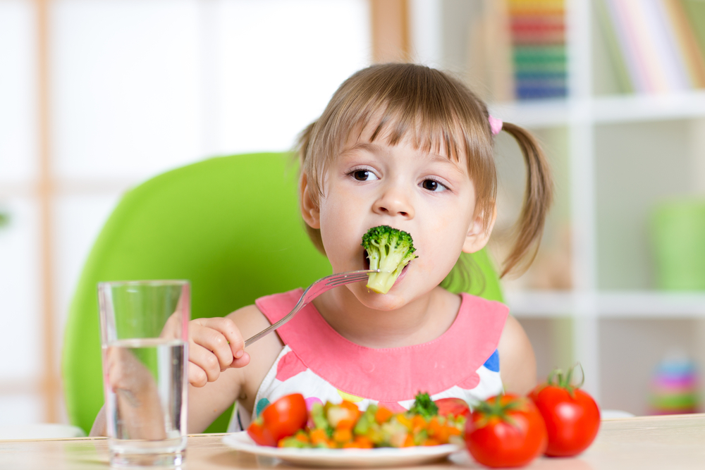 Parents admit to bribing kids to eat fruit and veg